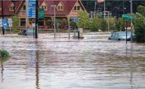 Hurricane Ivan flooding, Asheville, NC - September 2004/Leif Skoogfors, FEMA