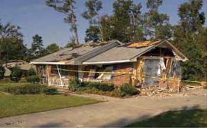 Hurricane Frances tornado damage, Sumter County, SC - September 2004/Marvin Mauman, FEMA